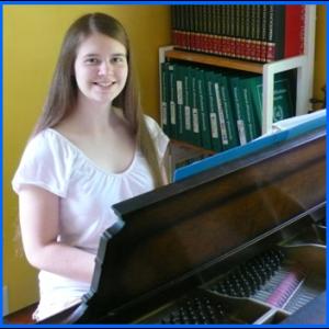 piano-stephanie-300x300